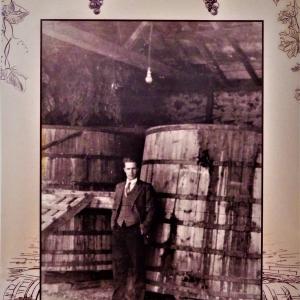 Портрет от следосвобожденското въздигане на Перущица – Георги Иванов Гълъбов в своята винарска изба, 1936 г.