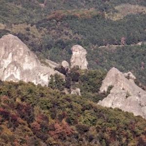 manastirski-skali-ot-sviatoto.jpg